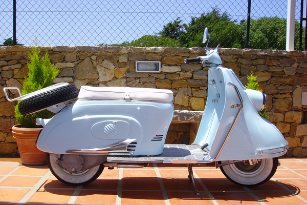 1000 images about heinkel on pinterest motor scooters vintage vespa and scooter motorcycle. Black Bedroom Furniture Sets. Home Design Ideas